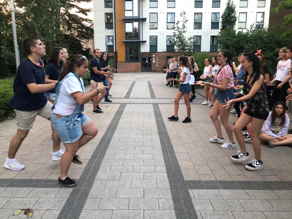 Curso de inglés para niños y adolescentes en Inglaterra. Exeter. Aprender inglés en verano en el extranjero